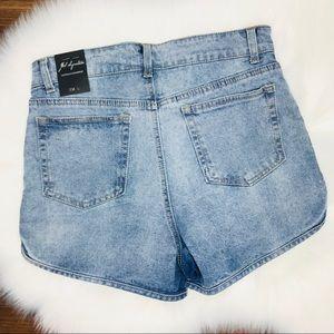 J.W Signature Shorts - 🌵 2/$30 J W Signature high waist denim shorts